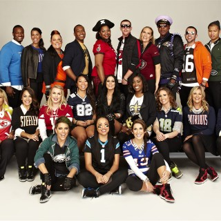 "Nike NFL Football Stylish Fans web 320x320 - NIKE / NFL ""Back to Football Fan Photo Day"""