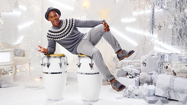 victor cruz chrissy teigan hed 02 2014 - Victor Cruz for Gap Holiday Ad Campaign