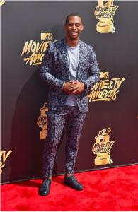 2017 MTV Movie and TV Awards Arrivals 1 195x300 - Victor Cruz / 2017 MTV Movie and TV Awards