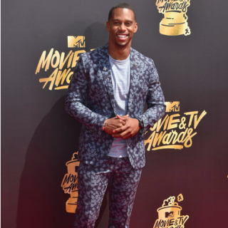 2017 MTV Movie and TV Awards Arrivals 1 320x320 - Victor Cruz / 2017 MTV Movie and TV Awards