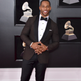 VC in Issia 4 320x320 - Victor Cruz / 60th Grammy Awards video